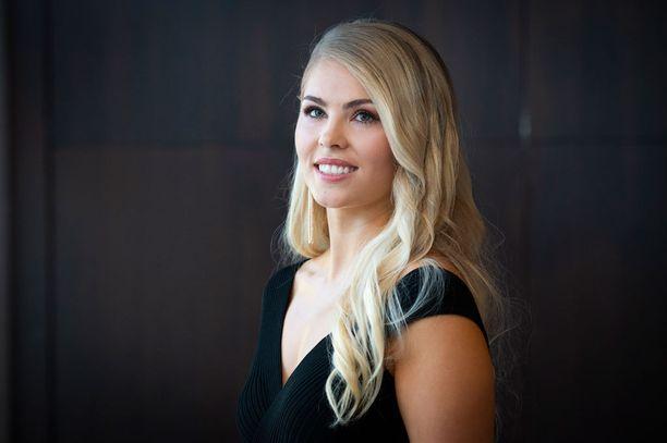 Milla-Mari Waismaa on Iltalehden lukijoiden ennakkosuosikki uudeksi Miss Suomeksi.