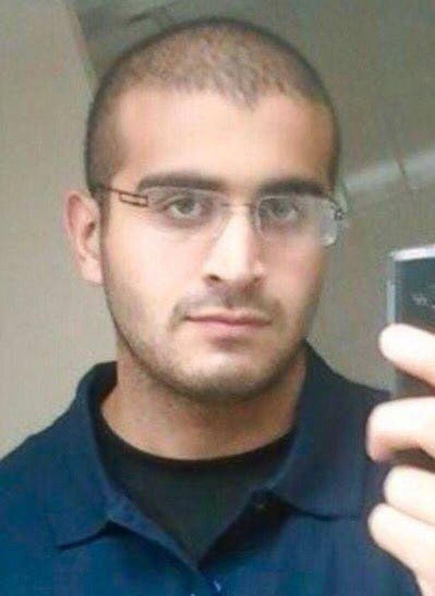 """Omar Mateen """"puhui tappamisesta koko ajan"""", sanoi yksi hänen työtovereistaan New York Timesille."""