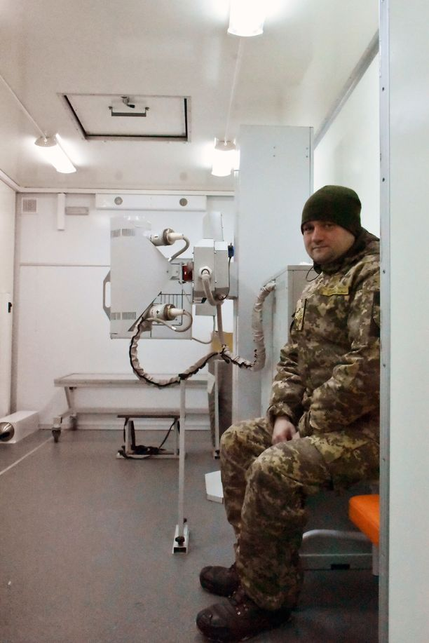 Sairaalan röntgenlääkäri kiittelee nykyaikaisia työtiloja.