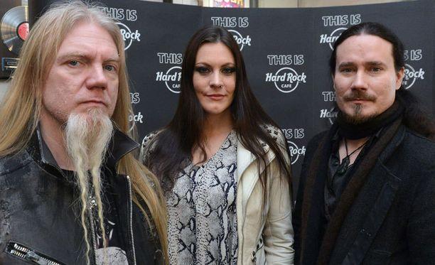Marco Hietala, Floor Jansen ja Tuomas Holopainen promosivat tulevaa levyään tällä viikolla Prahassa.