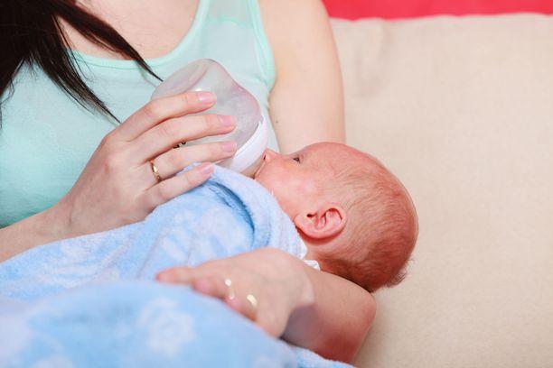 RS-virus voi näyttäytyä aikuisella tai lapsella vain kovana flunssana, mutta vauvoille tauti on vakavampi.