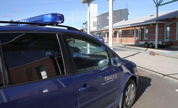 Tornion rajanylityspaikalle on tullut joinain päivinä lähemmäs tuhat turvapaikanhakijaa.
