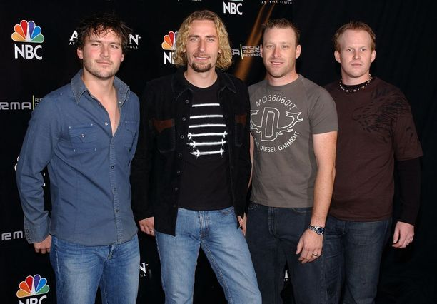 Nickelbackin kappaleisiin kuuluvat esimerkiksi How You Remind Me ja Rockstar.