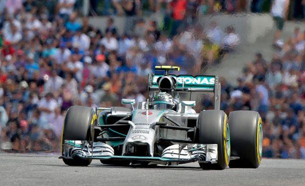 Nico Rosberg oli Britannian GP:n ensimmäisten harjoitusten nopein.