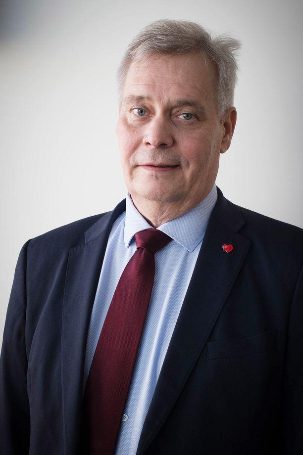 Puheenjohtaja Antti Rinteen mukaan SDP ei suostu leikkauspolitiikkaan edes siinä vaiheessa, jos Suomella on edessä heikko suhdanne, jollaiseen kehitykseen ovat myös riskit olemassa.
