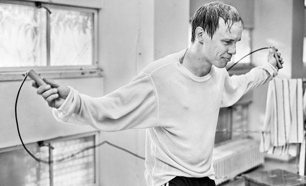 Hymyilevä mies tekee suomalaista elokuvahistoriaa.