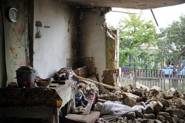 Itä-Ukrainassa sota on jatkunut kesästä 2014 lähtien. Kuva Sartanan kylästä elokuussa 2015.