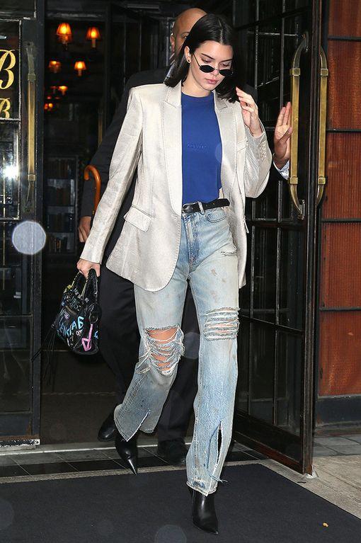 Kendall Jennerin asu vie välittömästi ajatukset 90-luvun bisnespukeutumiseen.