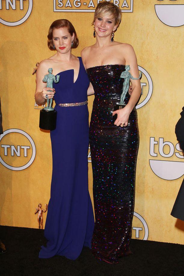 American Hustle -elokuva sai parhaiden näyttelijöiden palkinnon.