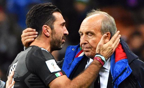 Gianluigi Buffon ja Gian Piero Ventura jakoivat murheen hetken.