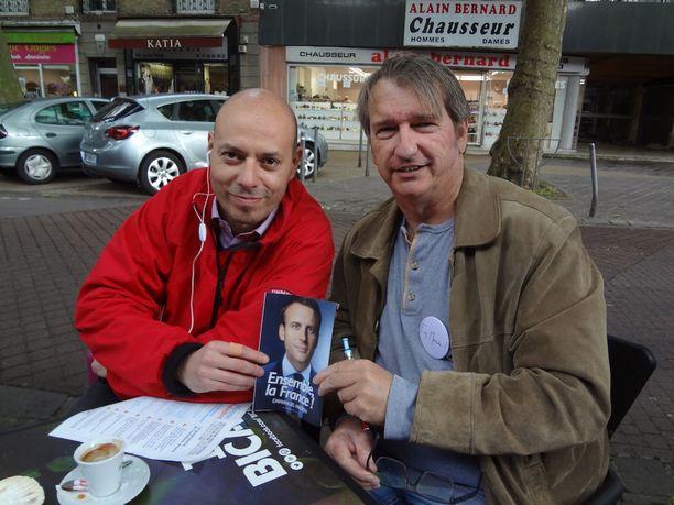 Billel Ouadah ja Marc Masnikosa ovat kampanjoineet aktiivisesti Aulnay-sois-Bois'sa Emmanuel Macronin presidenttiyden puolesta.