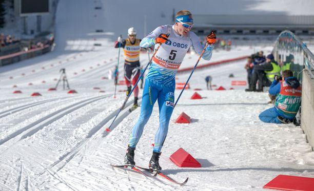 Iivo Niskanen taipui ainoastaan Martin Johnsrud Sundbylle Holmenkollenin 50 km kisassa.