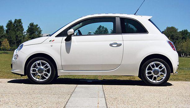 PÄÄSTÖPRINSESSA. Fiat 500 dieselin hiilidioksipäästöt kilometriä kohden ovat vain 111 grammaa. Dieseleistä ainoastaan uusi Smart pystyy parempaan.