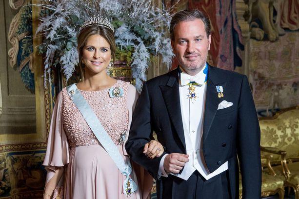 Madeleine ja Chris O'Neill ovat kolmen lapsen vanhempia. He avioituivat vuonna 2013.