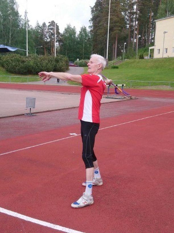 LahtiSport-seuraa edustava Jouni Tenhu on erittäin kovakuntoinen kasikymppinen.