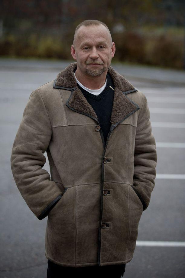 Jan Jalutsi haastatteli ystäväänsä Teija Huovilan kanssa kirjoitettuun Linnakundin treeniopas -kirjaan.