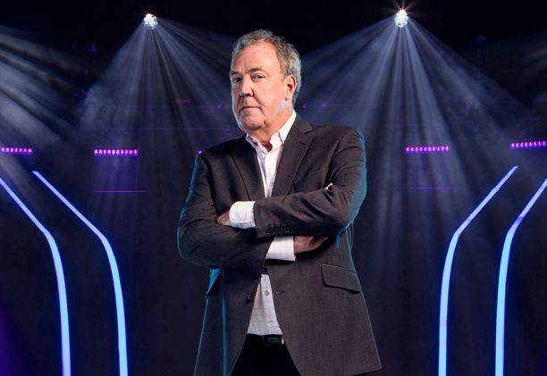 Jeremy Clarkson luotsaa Haluatko miljonääriksi? -ohjelmaa Briteissä.