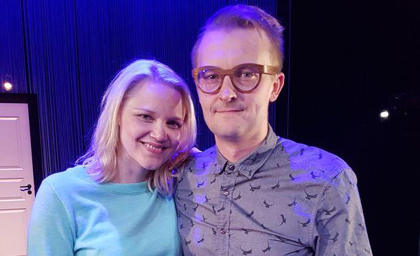 Anna-Maija Tuokko ja ohjaaja Antti Mikkola.