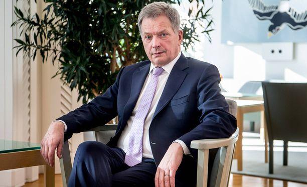 Kokoomus haluaa tietää viimeistään alkusyksyllä lähteekö presidentti Sauli Niinistö tavoittelemaan jatkokautta.