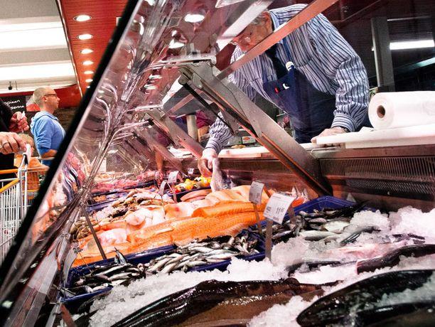 EU-asetuksen mukaan kalatiskeillä on ilmoitettava myös kalojen latinankieliset nimet.
