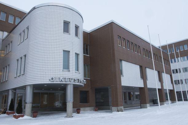 Oulun seksuaalirikoksista epäillyn miehen vangitsemisoikeudenkäynti pidetään Oulun käräjäoikeudessa perjantaina.