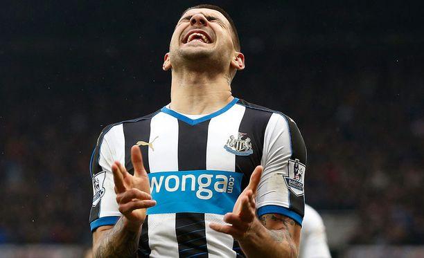 Aleksandar Mitrovic viimeisteli Newcastlen tasoituksen.