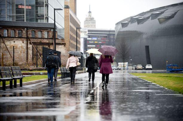 Loppuviikolla sateet yleistyvät koko maassa.