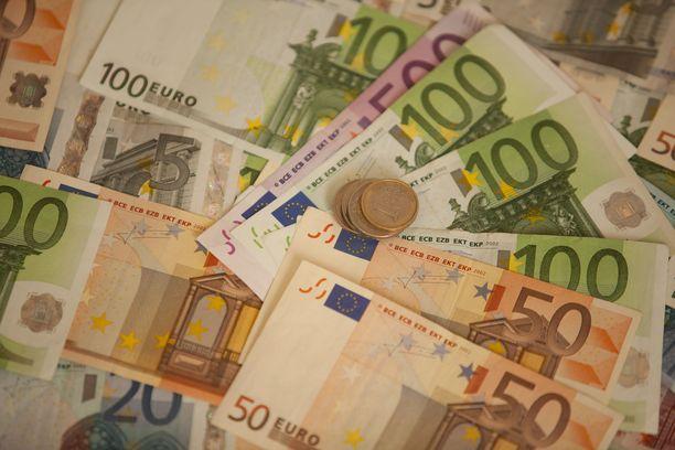 Lahtelaismies huijasi viideltä mieheltä yhteensä 45 121 euroa. Kuvituskuva.