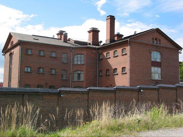 Käräjäoikeus passitti tappajakaksikon Kuopion vankilaan, josta heidät tulee toimittaa edelleen mielentilatutkimukseen.