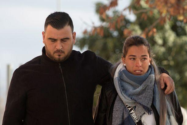 José Rosello ja hänen vaimonsa Vicky antavat lausuntonsa tänään Julenin putoamisesta.