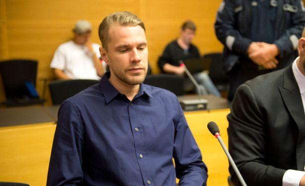 Joonas Loiri vastasi syytteisiin Helsingin käräjäoikeudessa maanantaina.