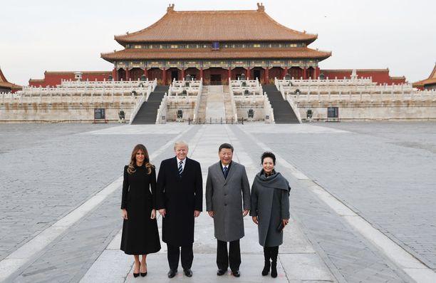 Yhdysvaltain presidenttipari vierailulla Pekingissä viime marraskuussa.