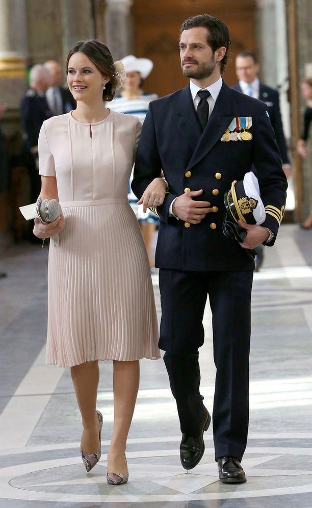 Prinsessa Sofia ja prinssi Carl Philip ovat komea pari.