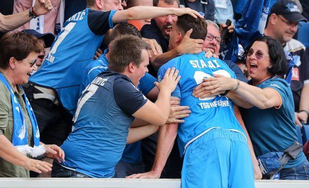 Adam Szalain voittomaali vei Hoffenheimin ensi kaudeksi Mestarien liigaan.