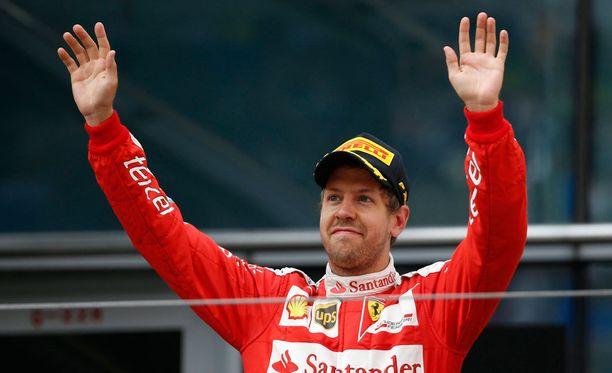 Sebastian Vettel sai murska-arvion kakkossijastaan huolimatta.