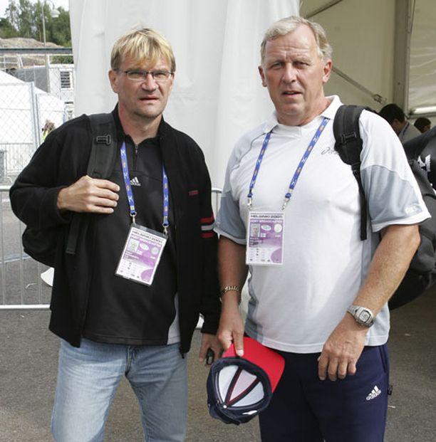 Bror-Erik Wallenius (oik.) selosti Helsingin vuoden 2005 MM-kisoja yhdessä Antero Mertarannan kanssa.