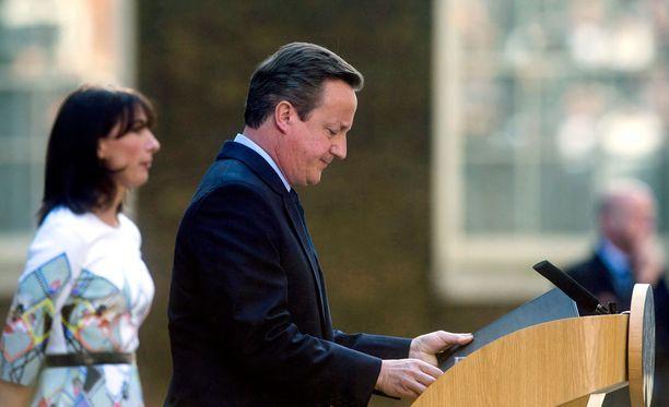 James Cameron lupasi kolme vuotta sitten briteille kansanäänestyksen EU-jäsenyydestä pönkittääkseen omaa ja puolueensa asemaa.