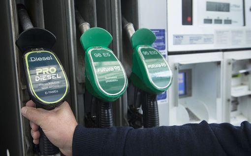 Analyysi: Nyt on ratkaisuviikko yhteiskunnan lamauttavien lakkojen estämiseksi – Polttoainepula pysäyttäisi kaiken