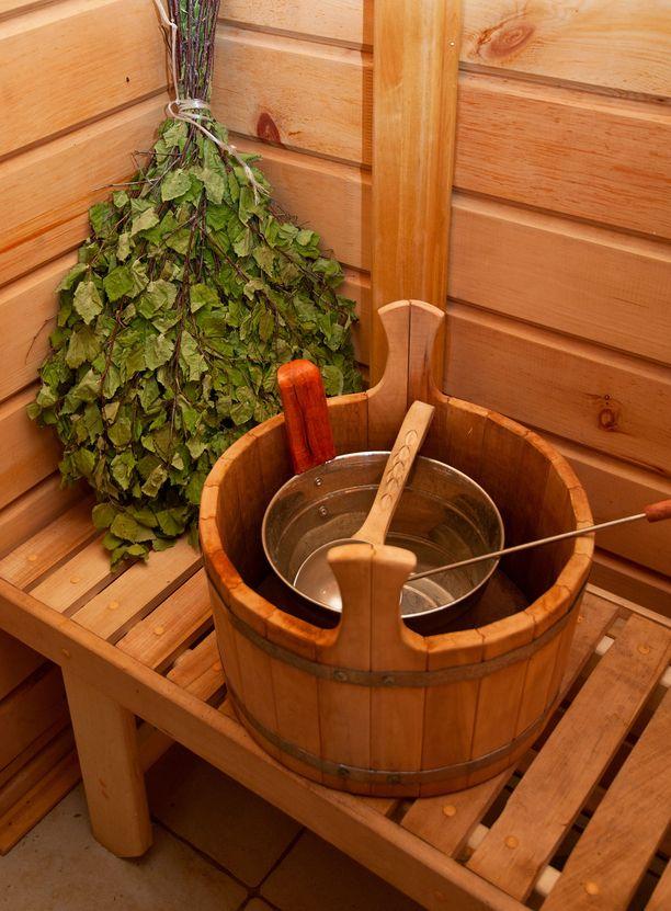 Moni satsaa jouluna täydelliseen saunakokemukseen. Asiaan vihkiytyneet hankkivat vihdan.