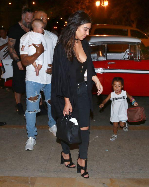 Perhe vieraili Kuubassa.