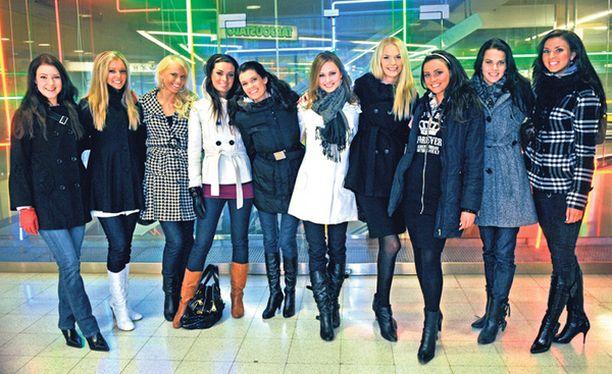 ASENTEELLA Miss Suomi -finalistien voitontahto alkaa nousta. Se näkyy välien kiristymisenä.