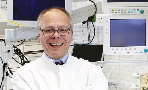 HUS:n toimitusjohtajan valinnassa loppusuoralle päässyt Juha Tuominen toimii tällä hetkellä Terveystalon johtavana ylilääkärinä ja on tullut tunnetuksi hallituksen sote-valinnanvapauden kannattajana.