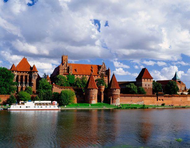 Malborkin linna on kookas ja koostuu useasta rakennuksesta.