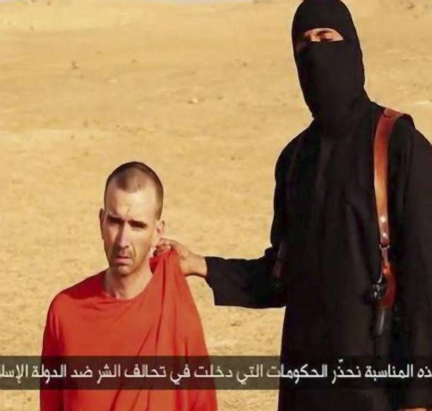 Jihadi-John murhasi brittiläisen avustustyöntekijän David Hainesin, 44, vuosi sitten. Haines työskenteli syyrialaispakolaisten hyväksi, kun hänet siepattiin.