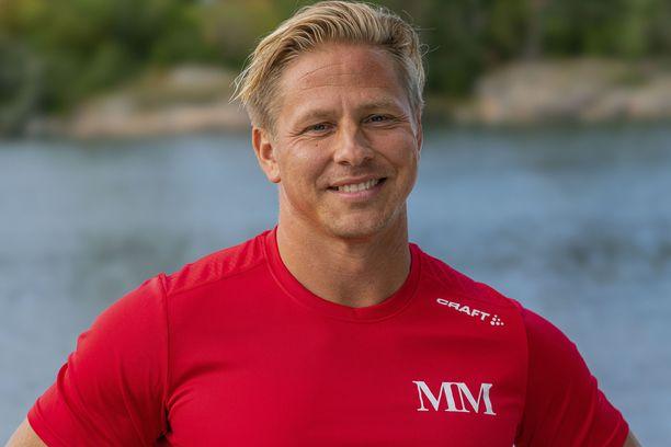 Markus Pöyhönen kisaa entisiä huippu-urheilijoita vastaan uutuusohjelmassa.