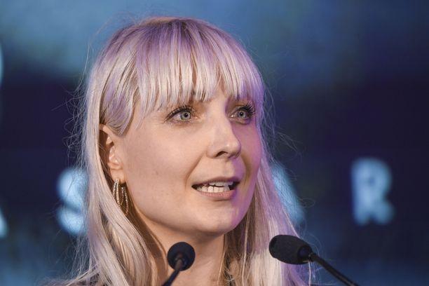 Laura Huhtasaari on perussuomalaisten kansanedustaja. Hän oli puolueen ehdokkaana viime presidentinvaaleissa.