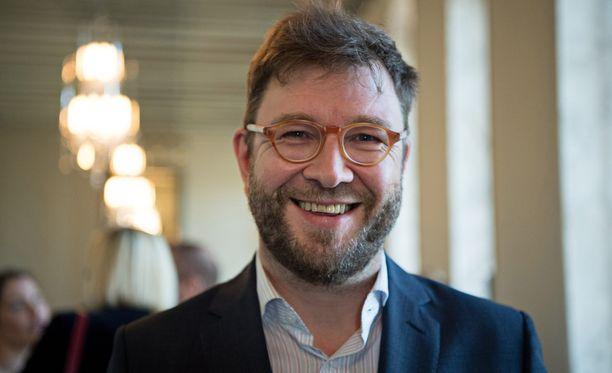 Kun Timo Harakka miettii kokoomuksen verolupauksia, hän kaipaa Sauli Niinistöä.