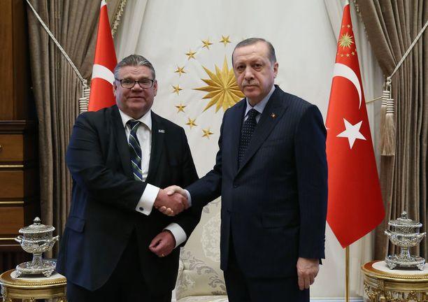 Ulkoministeri Timo Soini tapasi keskiviikkona Turkin presidentin Recep Tayyip Erdoganin.