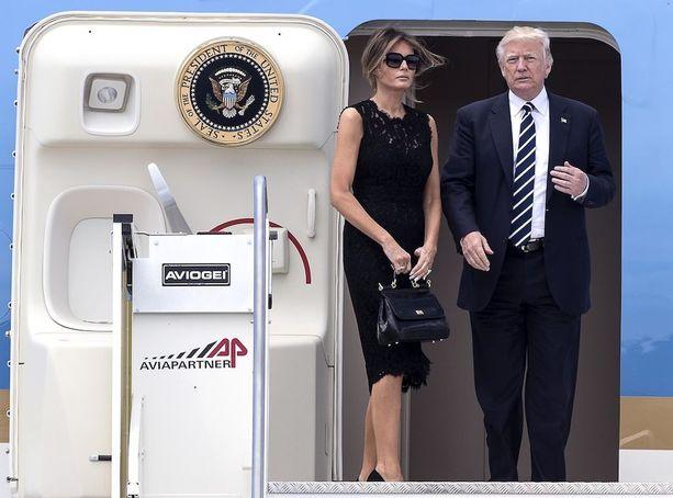 Melania Trumpin esiintymisessä julkisuudessa on paljon samaa kuin House of Cardsin first ladyn Claire Underwoodin (Robin Wright).