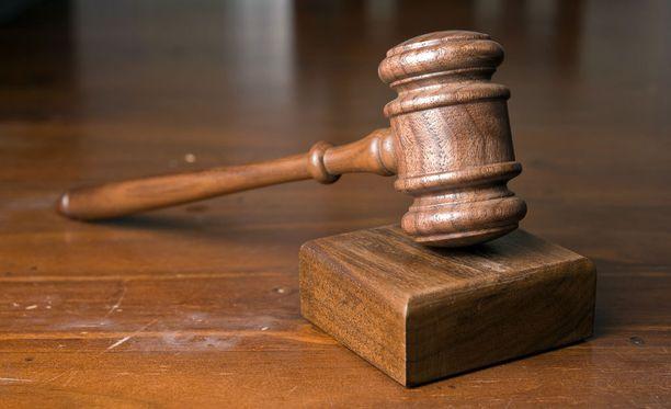 Oikeus pitää tekoa törkeänä, koska kohteena on ollut suuri määrä varoja ja mies on käyttänyt hyväkseen erityisen vastuullista asemaansa edunvalvojana. Kuvituskuva.